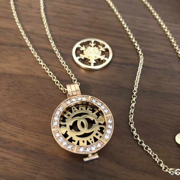 New Chanel Interchangeable Disk Necklace Set